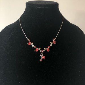 🌸 Maroon floral necklace